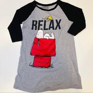 Peanuts Night shirt. Sz L. Snoopy on Dog House